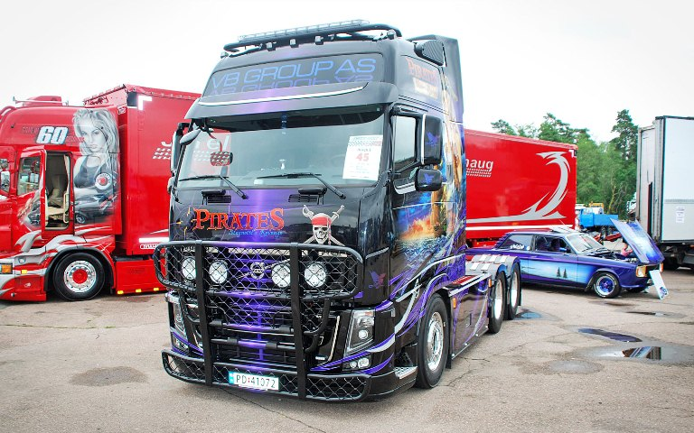 Volvo FH-Glob-XL. Front Protection, Offroad A14-3 и Top-Bar G14-4