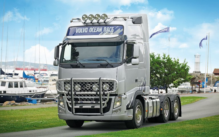 Volvo FH-Glob-XL. Front Protection, Offroad B14-3 и Top-Bar G14-7