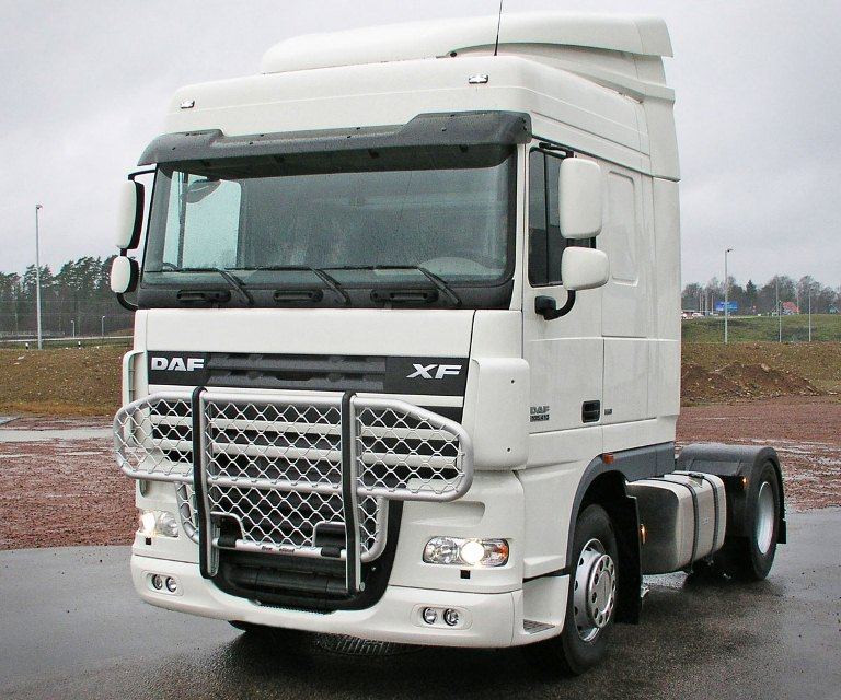 DAF XF Space cab. Front Protection, Offroad B61-1