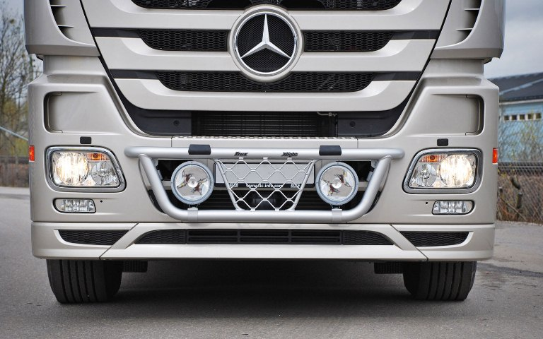 Mercedes Actros Megaspace. X-Light K45-4